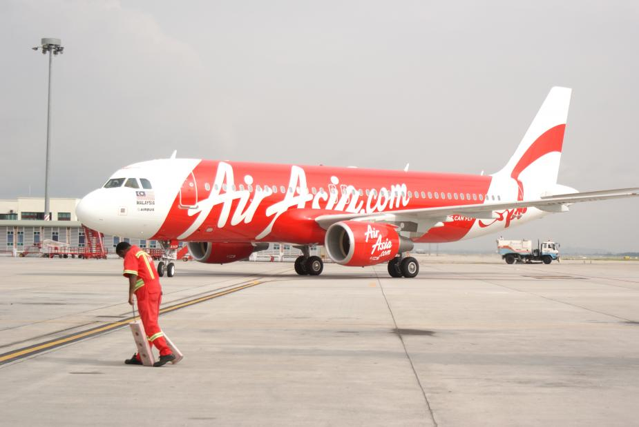 the ascendance of airasia building a successful budget airline in asia The ascendance of airasia: building a successful budget airline in asia submitted by: submitted by mechatman views: 682 words: 1127  the low-fare airlines in asia cater to a much smaller market than do the european and the united states, for this reason, it is unlikely that low-fare airlines in asia will directly compete with more.