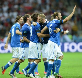Euro 2012: Italy vs Germany : Balotelli brace stuns Germans, sends Italy to final