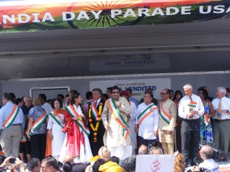Vinod Khanna leads Long Island's first India Day Parade