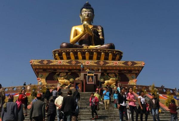 TOPSHOTS-INDIA-RELIGION-BUDDHISM-STATUE