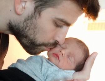 Shakira posts first photo of baby