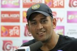 Dhoni praises Mishra, Ashwin for fantastic bowling effort